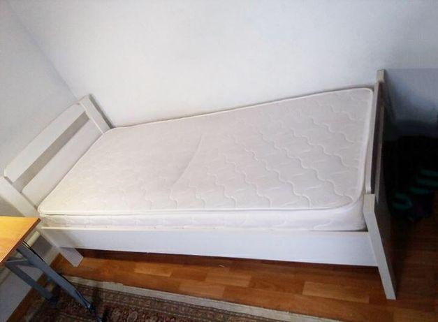 Кровать подростка белая