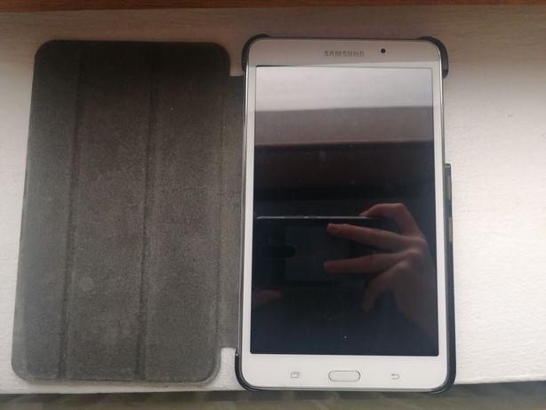 Tableta alba Samsung Galaxy Tab 4 SM-T230
