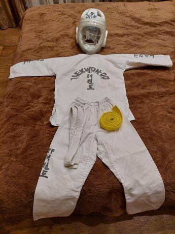 Продам кимоно для занятия тэквондо