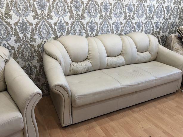 Продам комплект диванов