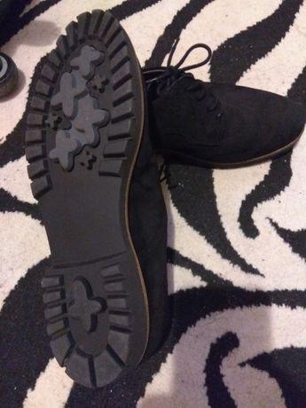 Продавам дамски обувки Longo 39 номер, естествен велур, немски