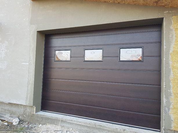 Uși de garaj 3000×3000 model cu 3 hublouri