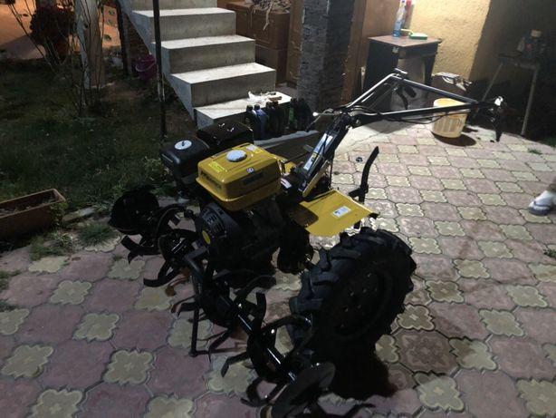 Motocultor cu priza de putere 13 cp
