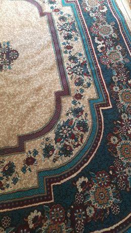 Продается ковры ширина 3м ,длина  5 м и ширина 2м  длина 3м