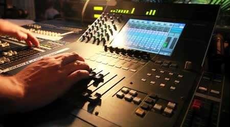 Звукооператор, звукорежиссер, звукотехник
