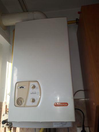 Dezmembrez Centrala termică ariston