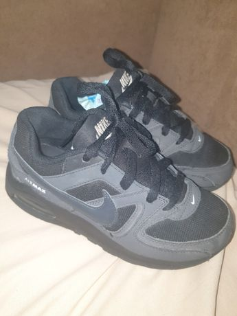 Vând adidasi Nike air max