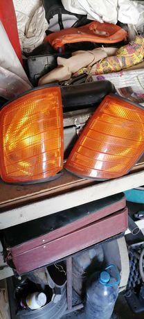 Продам оригинал поворотники от мерседес 124 только левая сторона