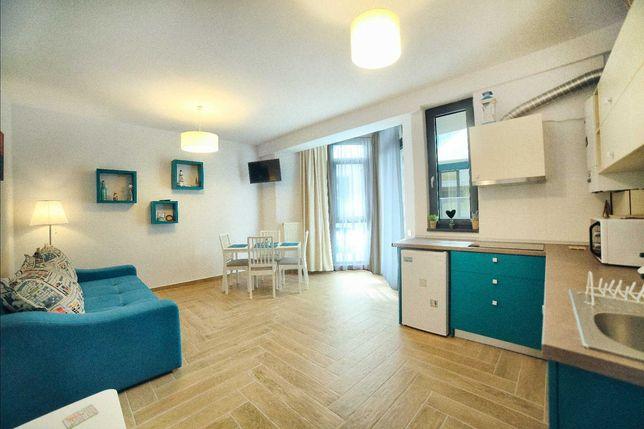 Inchiriez cazare  vedere la mare apartament 2 cam Mamaia Nord Navodari