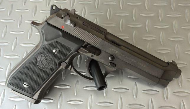 Super Pistol-Airsoft MODIFICAT Beretta M9 Full metal Co2 6mm PUTERNIC