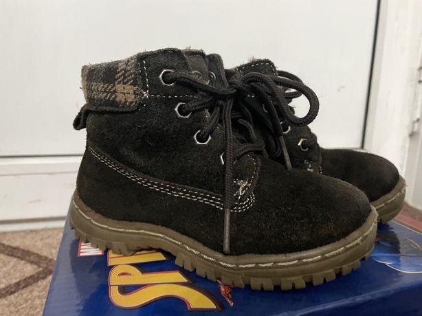 Продам ботинки зимние-демисезон