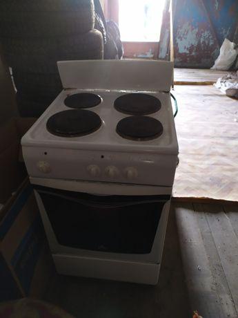 Продам эл плита 3-х конфортный духовка всё в рабочий бу