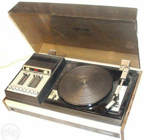 Электрофон Melodija-103-stereo с пластинками