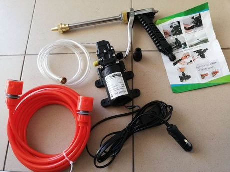Sistem pompa apa 12V 5,5 l/min 9 bar spalatorie camping rulota caine