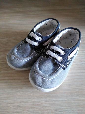 Vând papucei H&M nr. 18-19