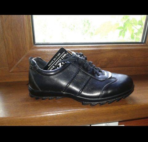 Спортивные туфли , кроссовки новые
