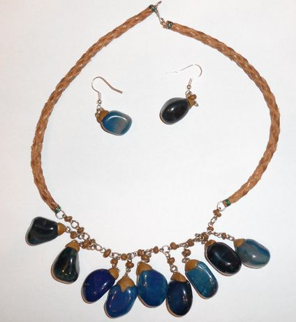 Superb set din Columbia cu pietre albastre, lucrat manual