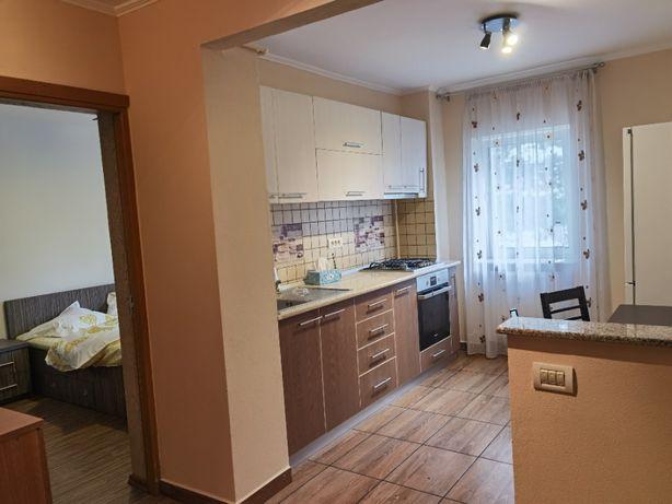 Inchiriez apartament in regim hotelier