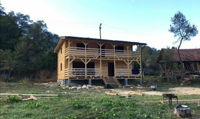 Vând cabane din lemn