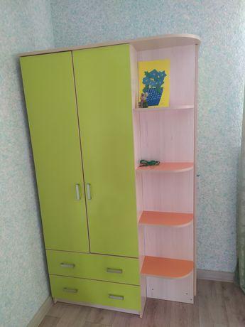 Детский шкаф ,кровать,стол