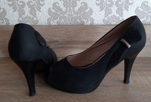 Черни обувки