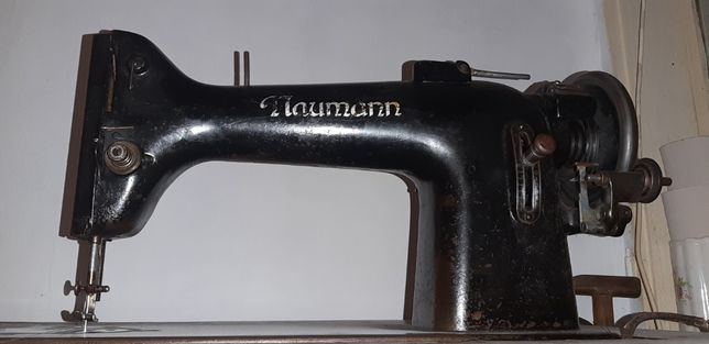 Mașină de cusut Naumann-1500 lei