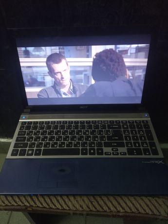 Шустрый и мощный 4х яд игровой ультрабук  Acer с 8 Гб ОЗУ с подставкой