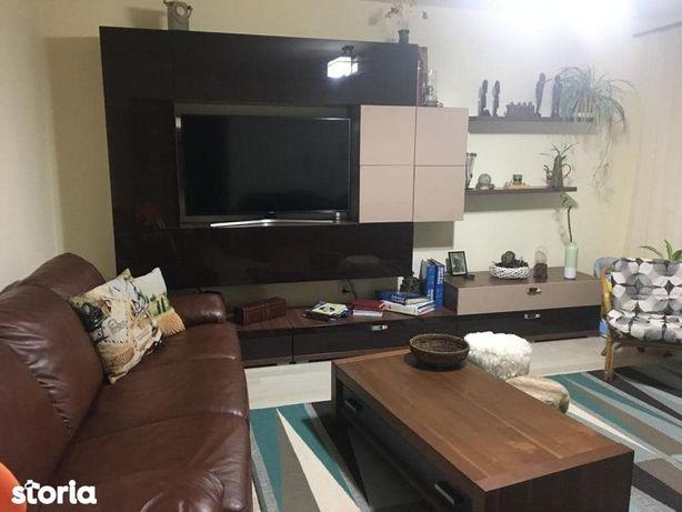 De vanzare apartament cu 2 camere, zona Buzaului.