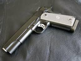 Pistol airsoft ca nou,FOARTE PUTERNIC. Functioneaza cu butelii de Co2