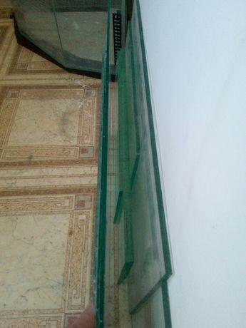 Остатки аквариумного хозяйства.(обрезки стекол 10 мм)