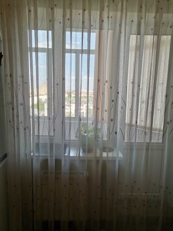 Продам шторы, в хорошем состоянии.