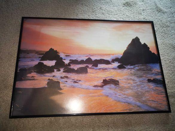 Картина пейзаж с метална рамка и стъкло