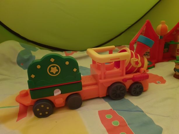 Trenulețul circului Fisher Price