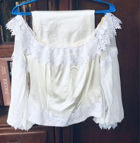 Костюм двойка,блузка и прямая юбка.Турция