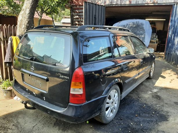 Dezmembrez Opel Astra G 2002