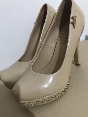 Продам супер удобные нюдовые туфли