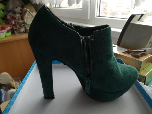 НАМАЛЕНИ!!! Зелени кокетни обувки с висок ток Jenika