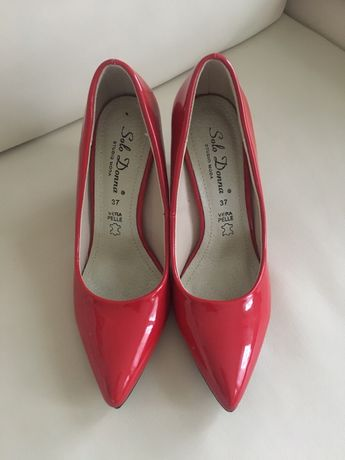 Pantofi eleganți