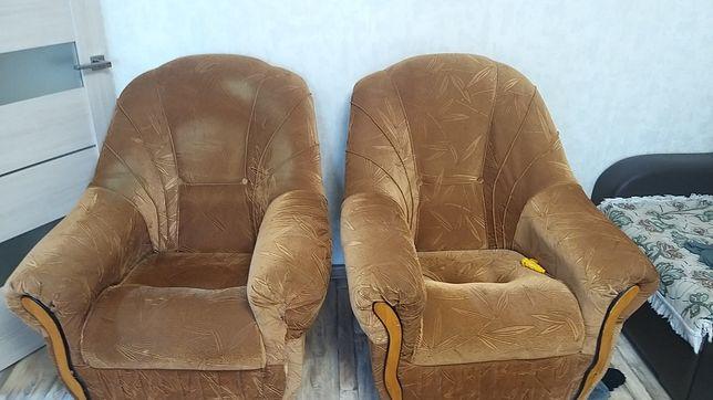 Продам 2 кресла б/у на КШТ