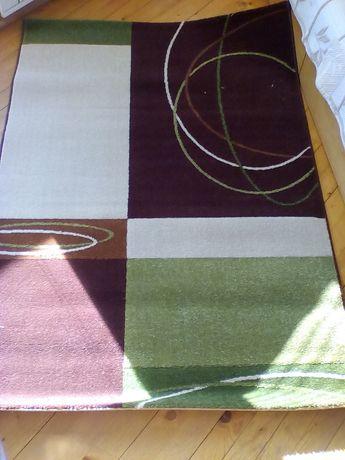 2 броя чисто нови килими