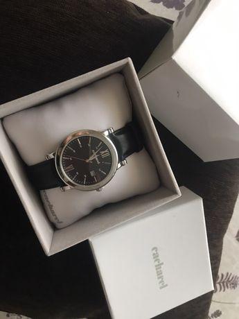 Часовник чисто нов в оригинална кутия