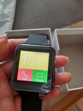 Смарт часовник с камера, възможност за приемане и инициирани на обажда