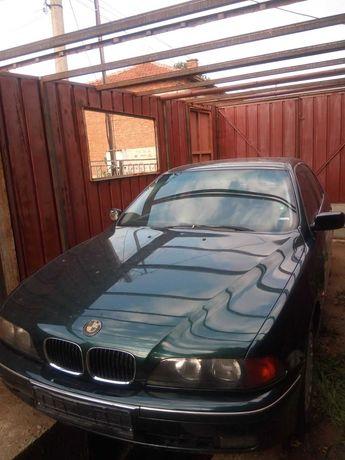 BMW E39 520,