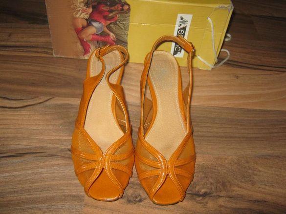 Елегантни оранжеви обувки 38 номер