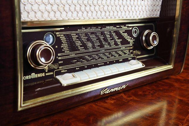 Radio pe lampi Nordmende Carmen 56, complet restaurat