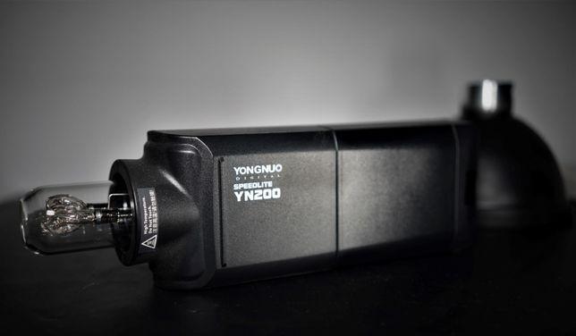 Blitz Yongnuo YN 200 (tip Godox ad200)