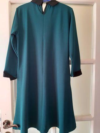 Rochie perfecta pentru aproape orice marime. A fost purtata o data.