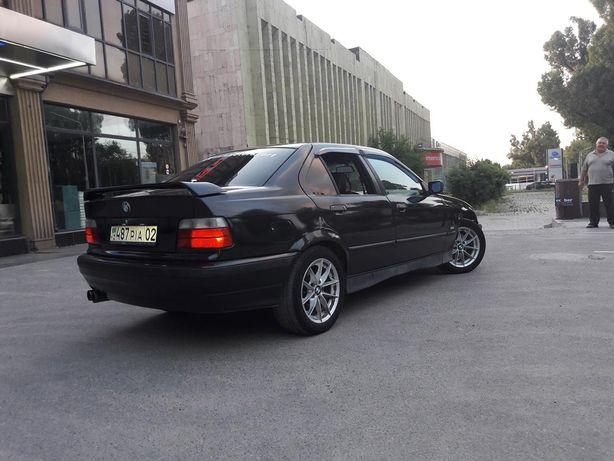 Продам срочно машину  BMW 328