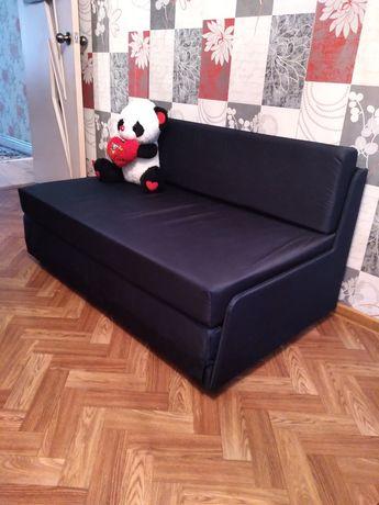 Продаю диван хороший