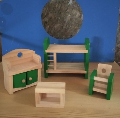 Мебели за кукленска къща